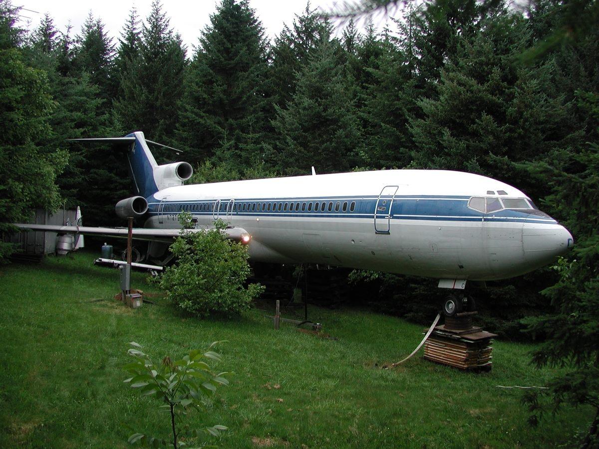 Avion-kuća u šumama Oregona